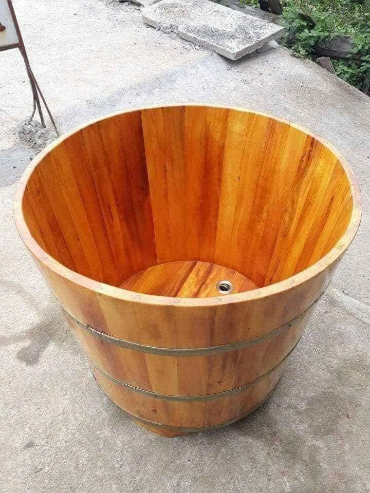 Bồn tắm lõi gỗ mít hình tròn